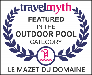 hotel with outdoor swimming pool in Gordes