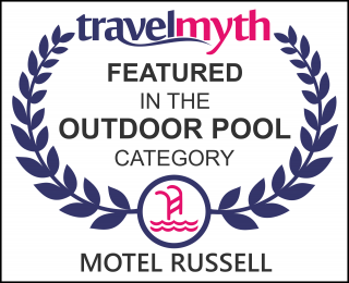 hotels with outdoor swimming pool in Russell