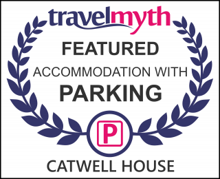 hotel with parking in Williton