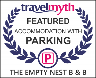 hotel with parking in Carrying Place