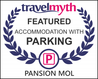 Drvenik hotels with parking