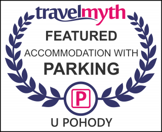 hotels with parking in Kovarska