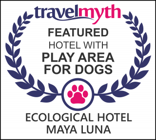 hotels with play area for dogs in Majahual