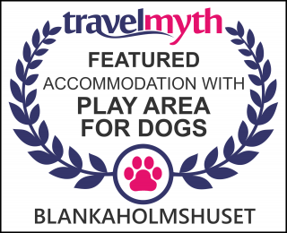 Blankaholm hotels with play area for dogs