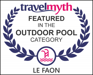 hotels with outdoor swimming pool in Champagne-et-Fontaine