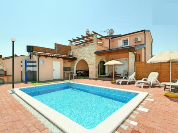 Holiday house with a swimming pool Kastel (Central Istria - Sredisnja Istra) - 11000