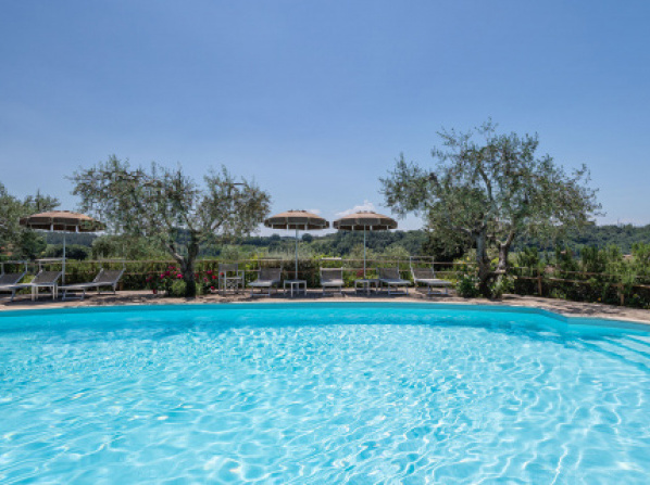 Boutique Cottage in Poggibonsi with Pool