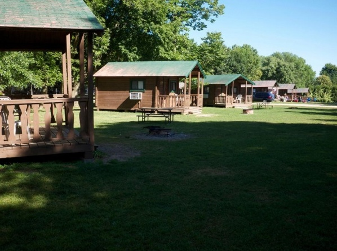 Fremont Jellystone Park Cabin 14
