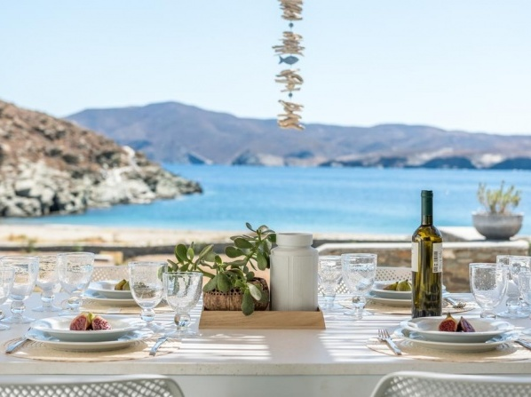 Eneos Kythnos Beach Villas-Elegant and Comfort Villas
