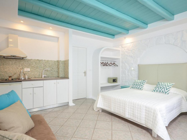 Naxos Evilion Luxury Apartments & Suites