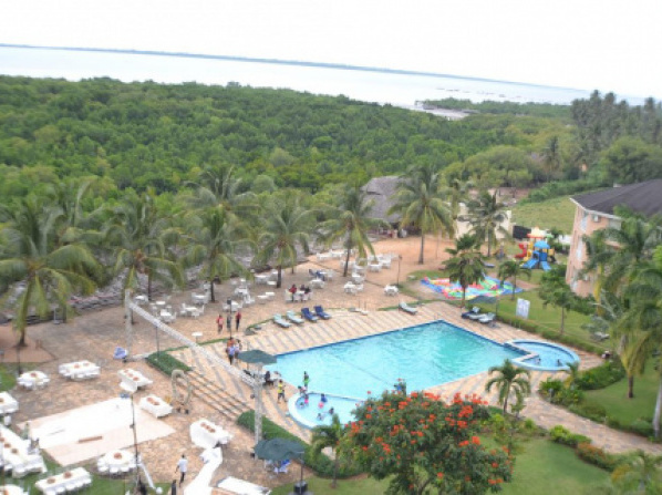 Tanga Beach Resort & Spa