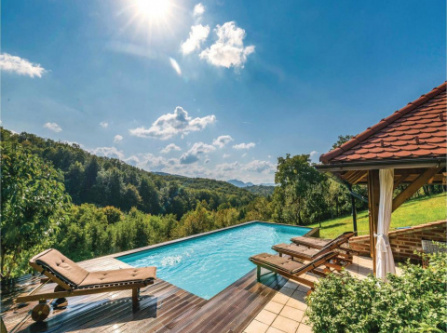 Three-Bedroom Holiday Home in Beretinec
