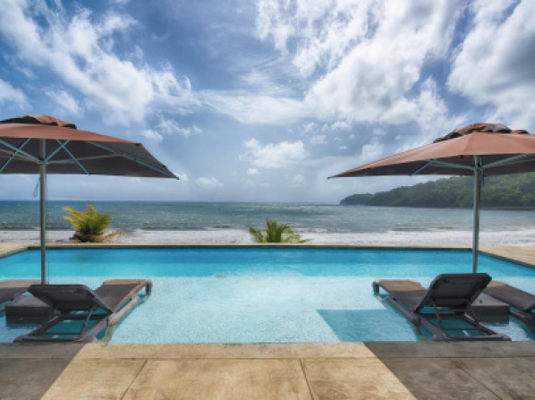 Pagua Bay House - Oceanfront Cabana's