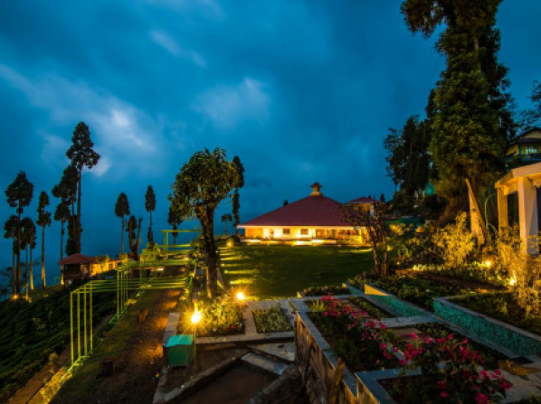 Chamong Chiabari - Mountain Retreat & Spa