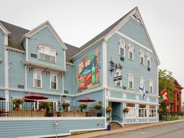 Lunenburg Arms Hotel