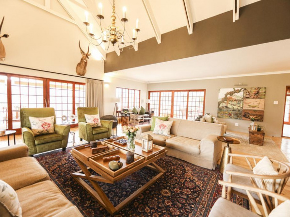 Royal Karoo Safari Lodge