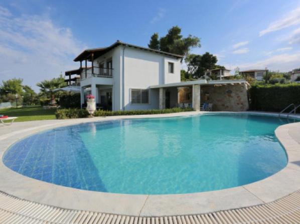 Lapis Luxury Villa
