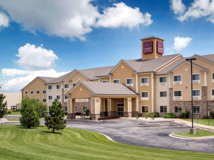 Comfort Suites Johnson Creek Conference