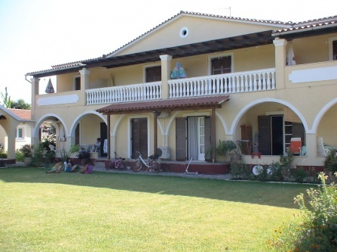 Babis Apartments & Studios Iremia