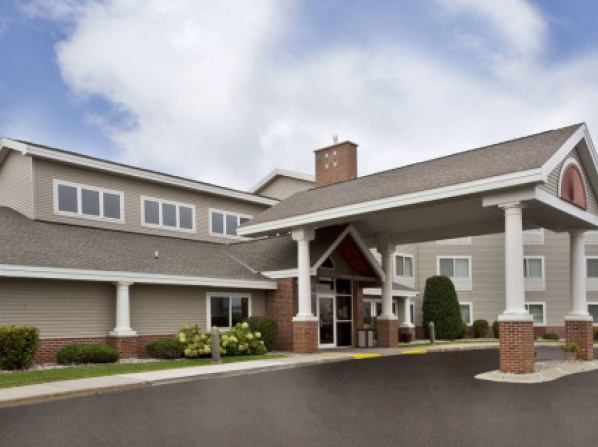 GrandStay Hotel and Suites, Beaver Dam