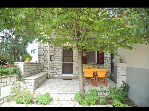 Vafkeri Fotis house