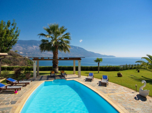 Kefalonia Villa Sleeps 6 with Pool Air Con and WiFi