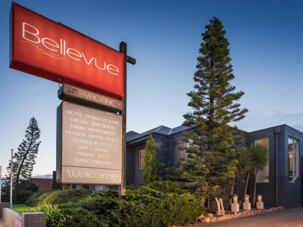 Bellevue On The Lakes