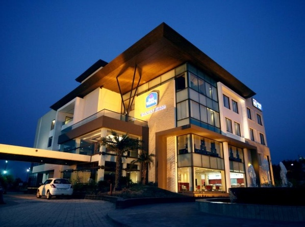 Best Western Country Woods Resort