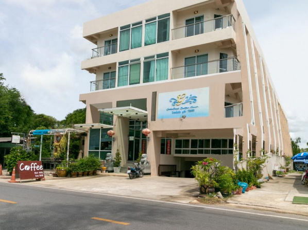 Capital O 1008 Golden Beach Boutique Resort
