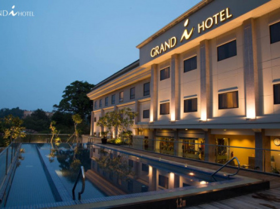 グランズ I ホテル (Grands I Hotel)