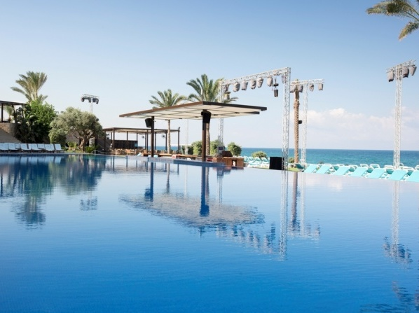Ocean Blue Beach Resort Jbeil